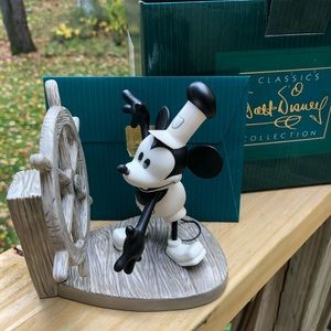 WDCC Disney Mickey Steamboat Willie Sculpture